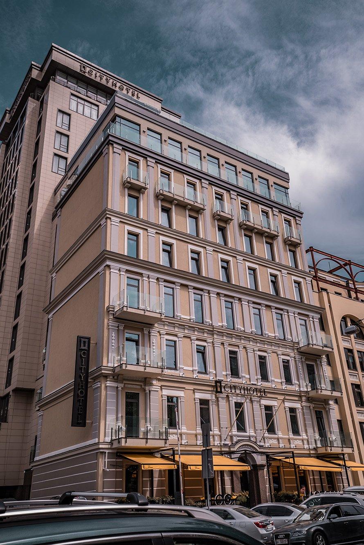 City Hotel, фасадное остекление